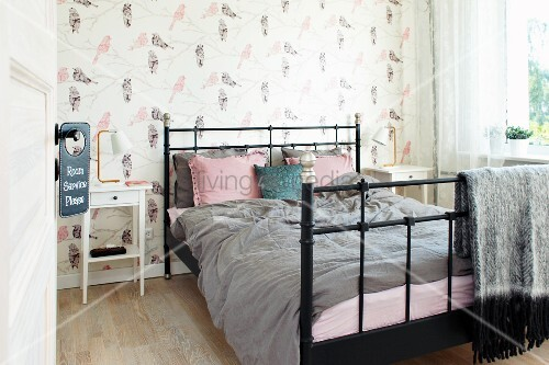 schwarzes metallbett cheap awesome metallbett trend metall cm with metallbett schwarz with. Black Bedroom Furniture Sets. Home Design Ideas