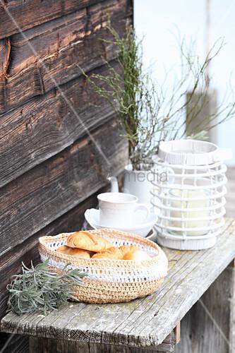 Crocheted raffia bread basket