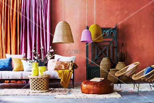 Orientalisches Wohnzimmer, orientalisches wohnzimmer in gewürzfarben – bild kaufen – living4media, Design ideen