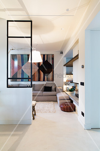 Offener Durchgang zum Wohnzimmer mit ... – Bild kaufen ...