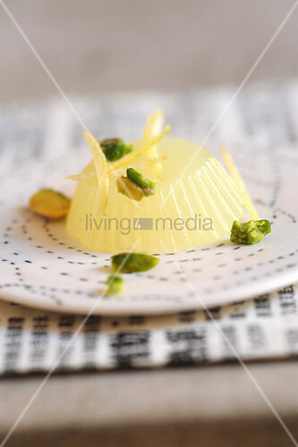 Dessert with lemon and pistachios