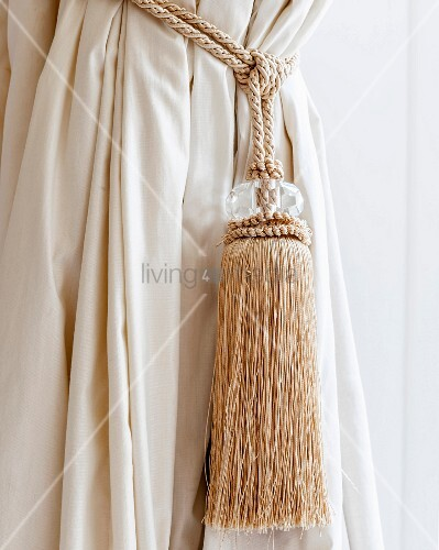 Cream With Tassels Dressing Gown Cord