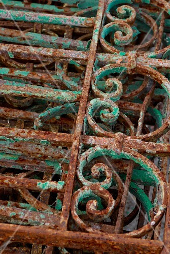 Rusty vintage lattice