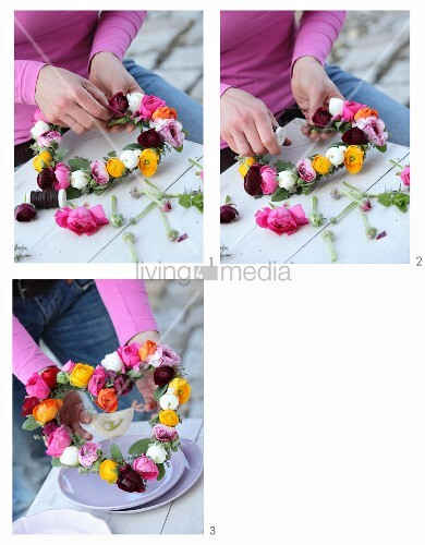 Instructions for making a heart-shaped wreath of ranunculus