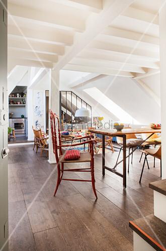 Offene Wohnung Unter Dach Im Boho Stil Bild Kaufen 12424930