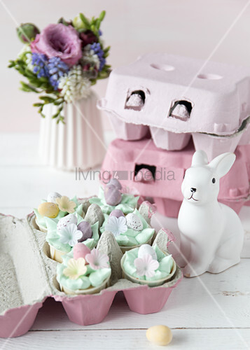 Easter nest of decorative cupcakes