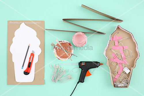 Instructions for making lamp in shape of ice-cream cone