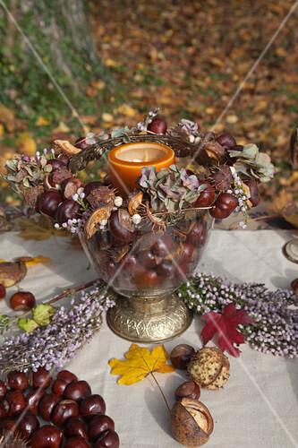 DIY-Tischdekoration aus Kastanien