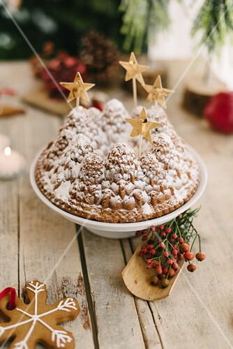 Christmas-tree bundt cake