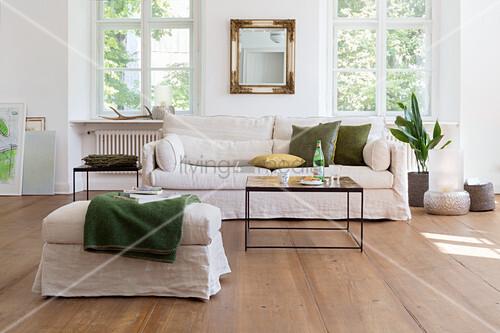 Wohnzimmer in Naturtönen