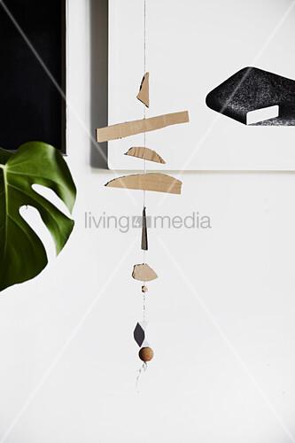DIY-Mobile aus Pappe