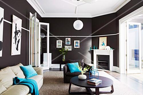 Elegantes Wohnzimmer Mit Schwarzen Bild Kaufen 12571528