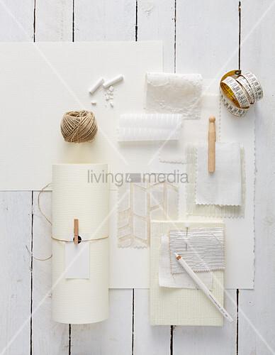 Moodboard aus verschiedenen weißen Materialien