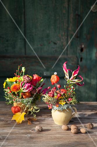 Herbstliche Blumensträuße