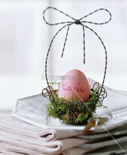 Easter nest as place cards