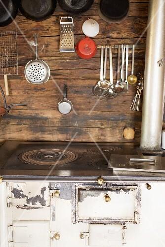 Küchen-Stillleben in einer Almhütte