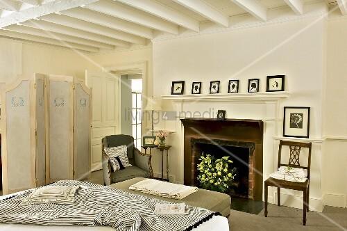 Klassisch elegantes schlafzimmer mit bild kaufen for Schlafzimmer klassisch